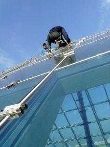 Герметизация фасадной стеклянной конструкции